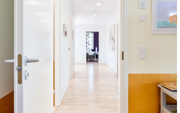 белые двери медицинские